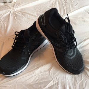 Gently used Adidas cloud foam tennis shoes 8